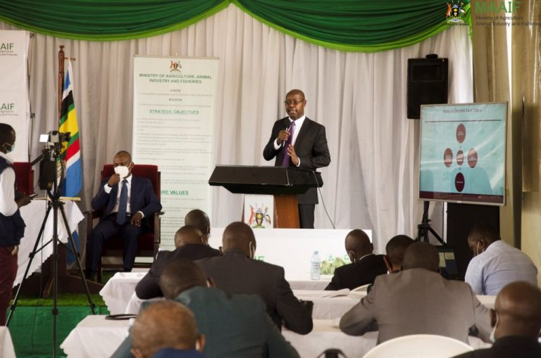 Pius Wakabi addresses delegates from the Kenya National Defence College 1024x678 1