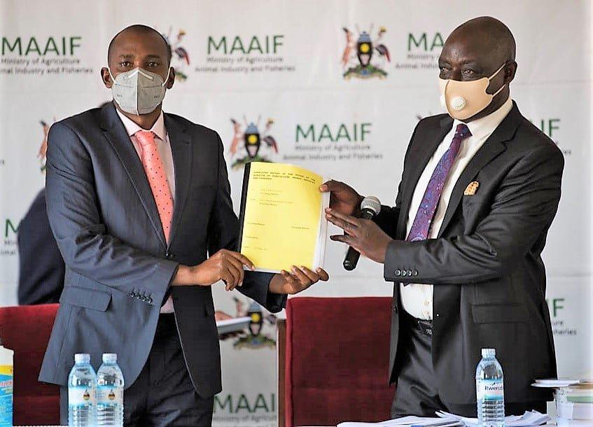 Hon. Ssempijja Hands Over MAAIF Documents to Hon. Tumwebaze