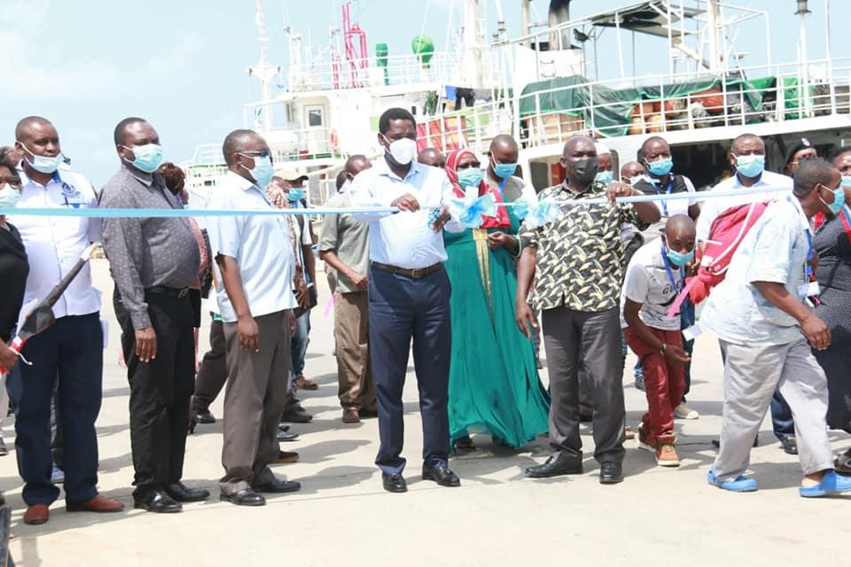 Munya flags off fishing vessels 2
